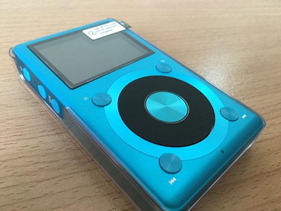 fiio X1の新色ブルーを輸入してみました