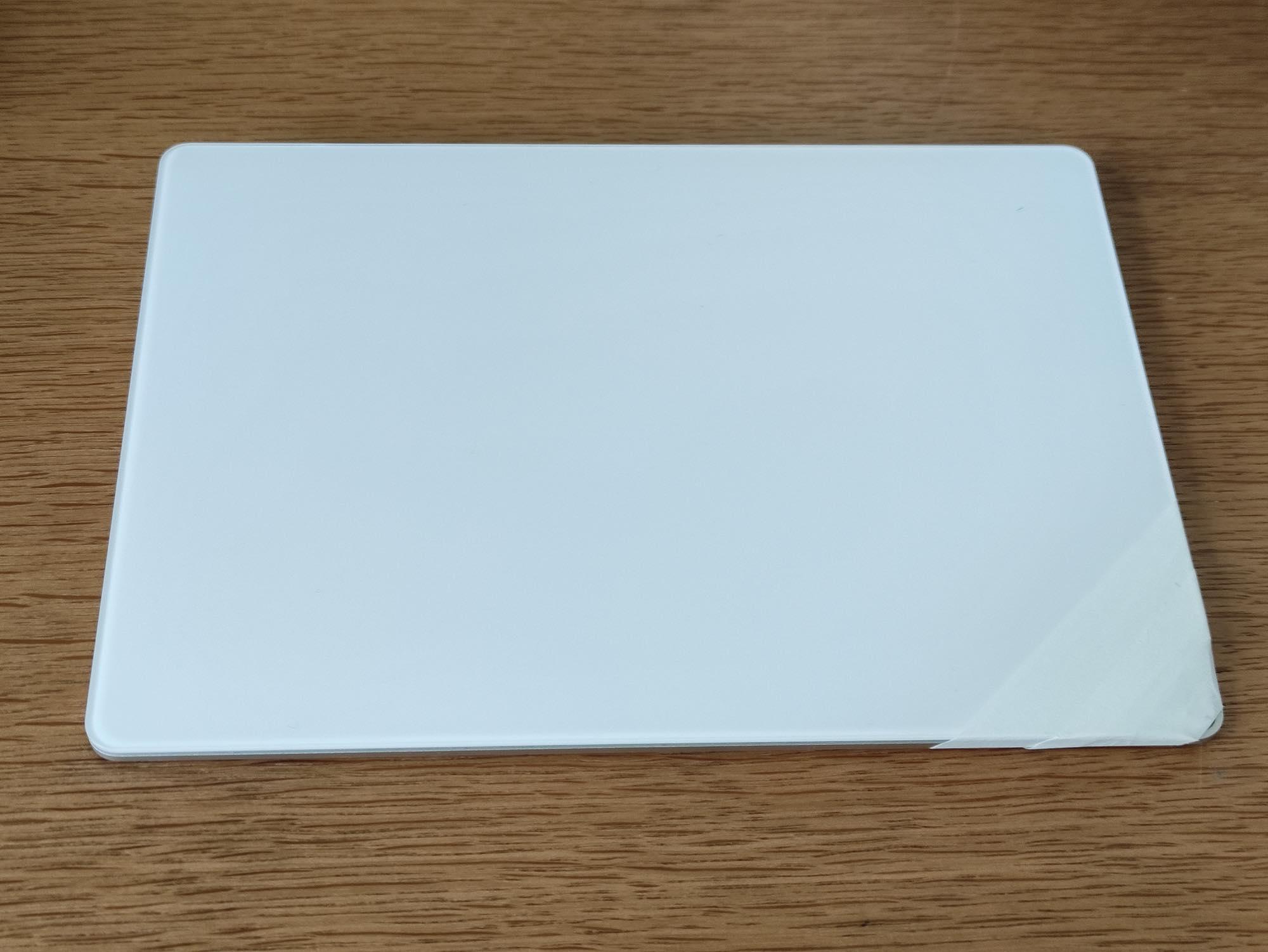 Magic Trackpad 2の角が割れたので目立たなくしてみる