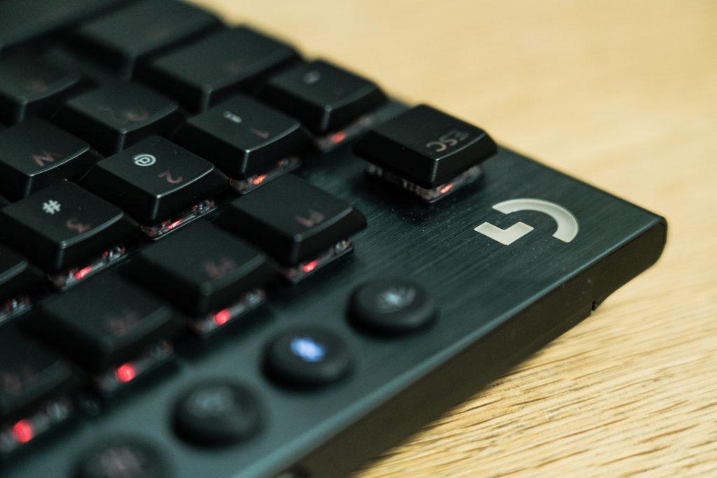 【レビュー】超低遅延ワイヤレスゲーミングキーボードLogitech G915 TKLが最高に良い!