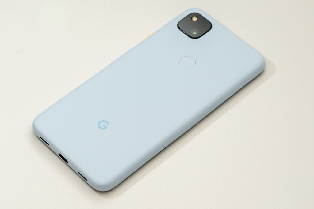 【レビュー】Google Pixel 4a Barely Blueレビュー。人気ミドルレンジスマホに新色登場!